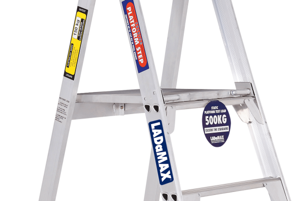 ALUMINIUM PLATFORM STANDARD LADDER - CLOSE UP
